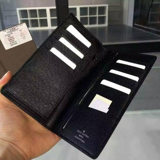 Louis Vuitton M32572 Brazza Wallet Taiga Leather