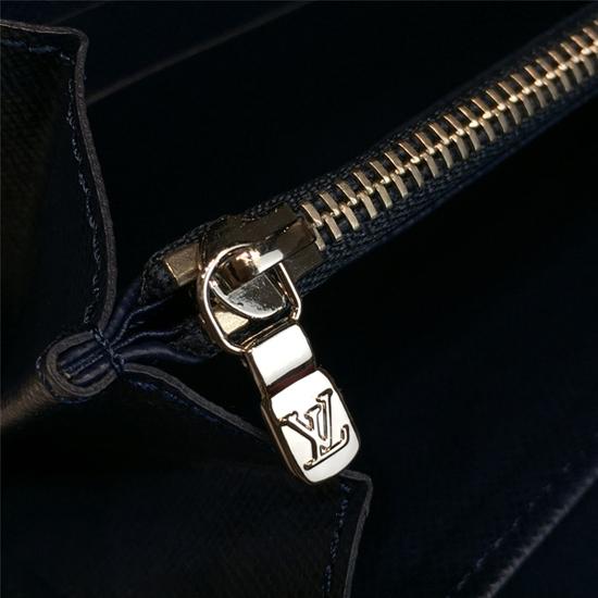 Louis Vuitton M42705 Zippy Organiser Epi Leather
