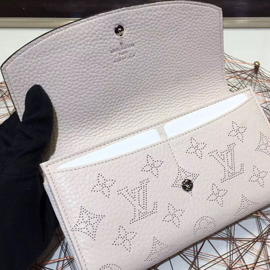 Louis Vuitton M60177 Iris Wallet Mahina Leather